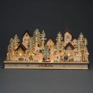 Konstmide CHRISTMAS LED dom a figúrky